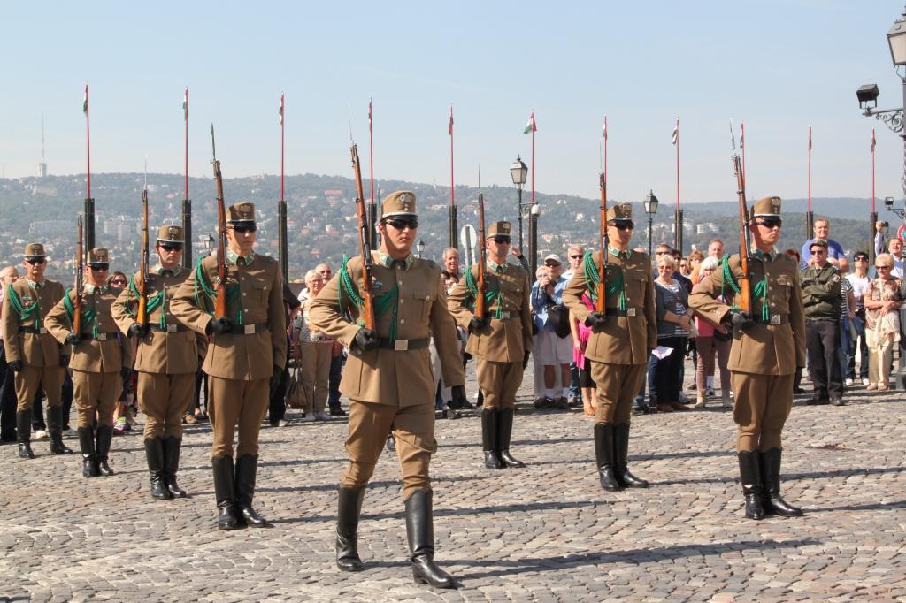 Change of Guard, Budapest. Photo credit: Binnie Bin, Sept. 2014